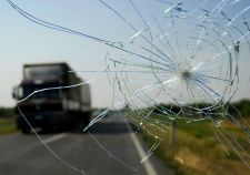 Cracked windshield laws